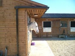 Deluxe Range 'L' shaped stable block