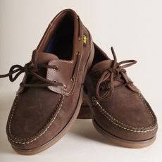 Brown deck shoe