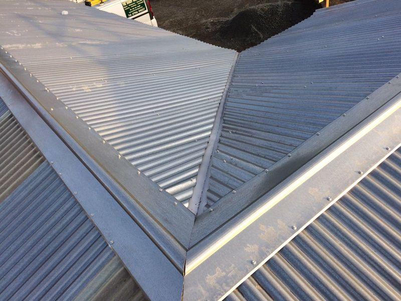 Metal Corrugated Roofing with Anti Condensation Lining   image #3