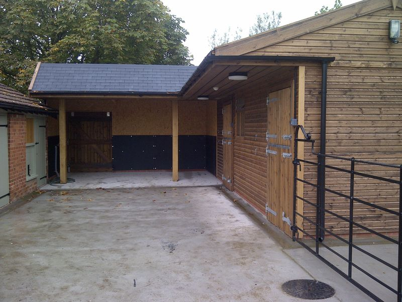 Deluxe Range 'L' shaped stable block image #2