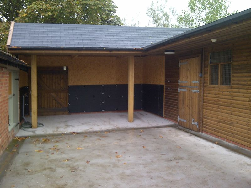 Deluxe Range 'L' shaped stable block image #4